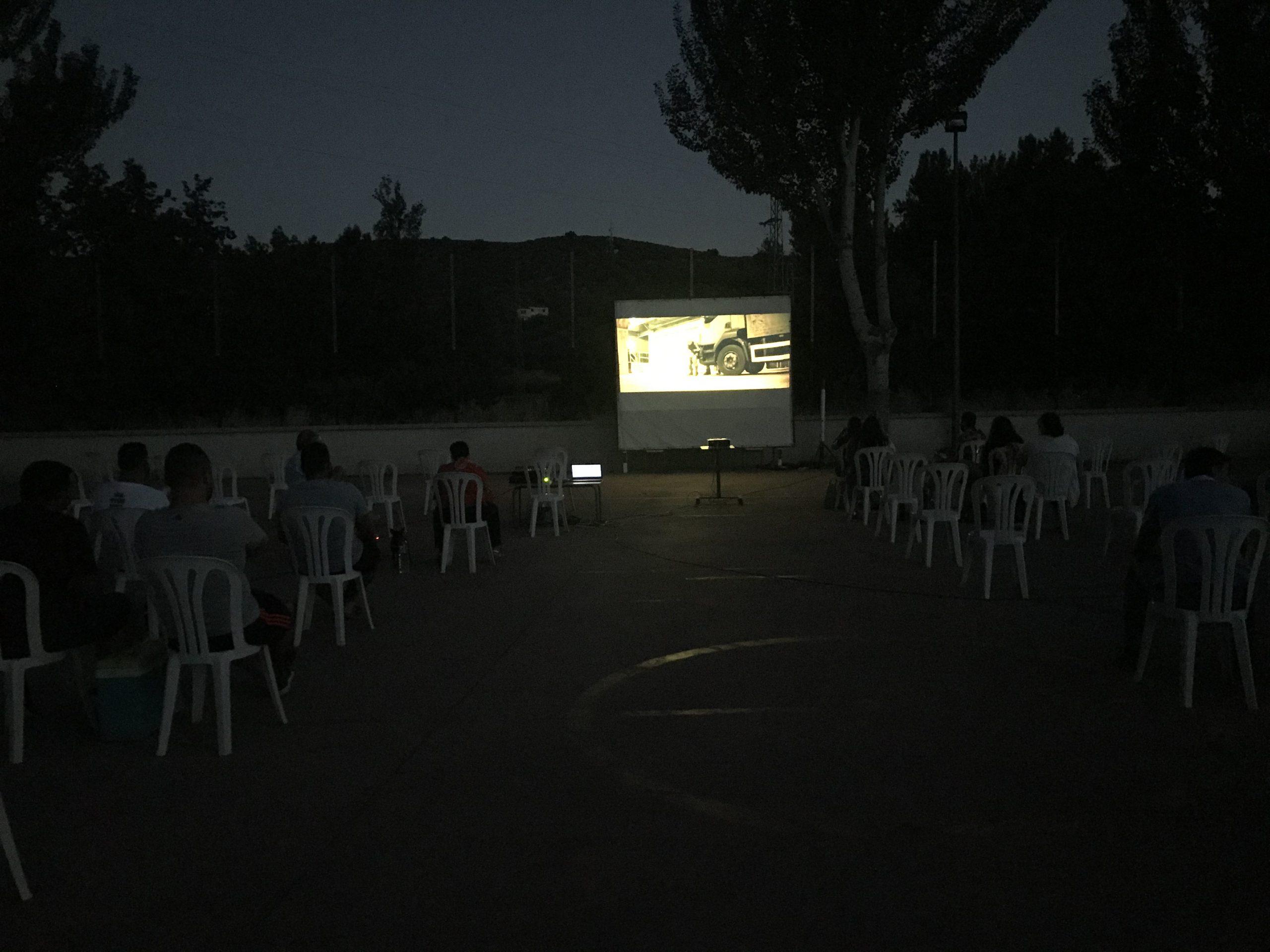 """Cine """"Al Fresco"""" en Fuente Grande 1"""