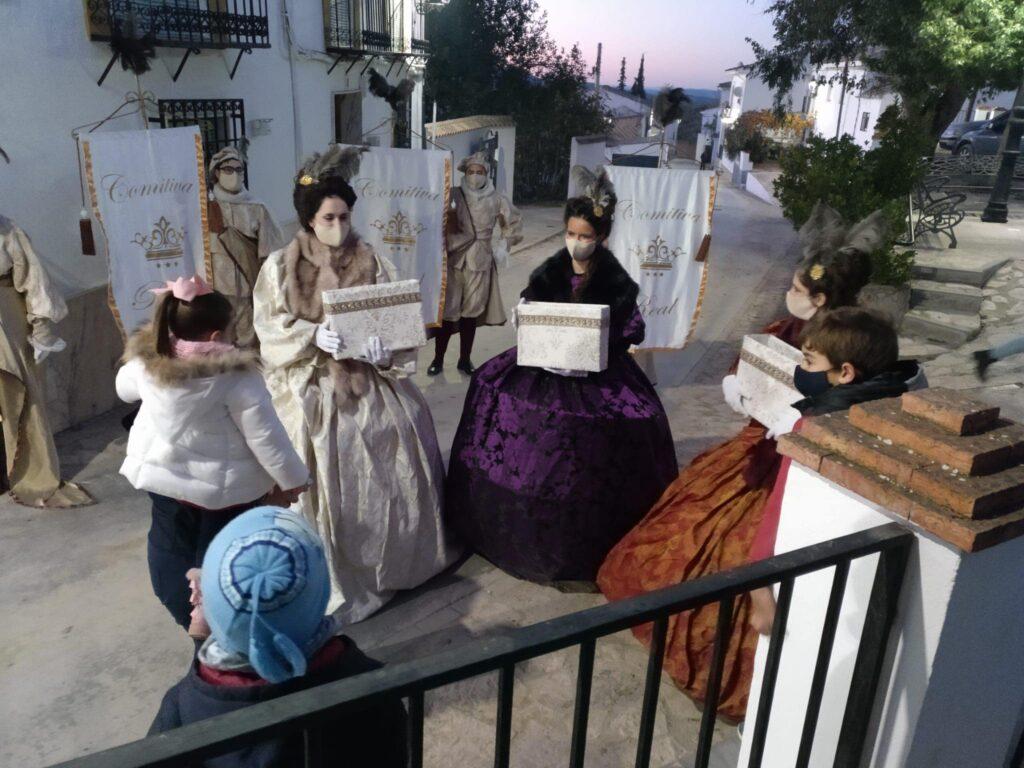 Recogida de cartas para los Reyes Magos en aldeas 1